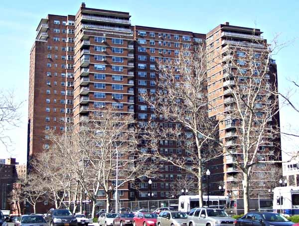Penn_South_on_Ninth_Avenue_from_26th_Street